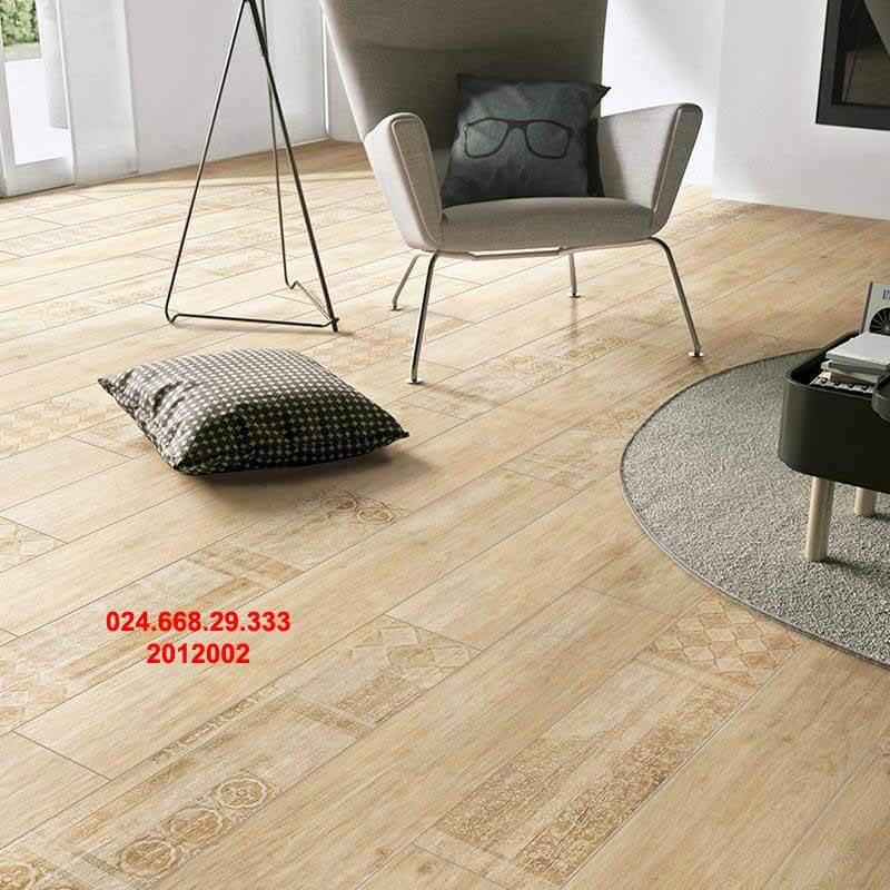 gạch sàn gỗ 20x120 mã 2012002 chụp phòng khách theo chiều nghiêng