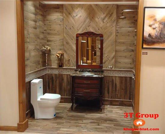 gạch giả gỗ 15x80 8810 phối cảnh phòng vệ sinh